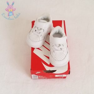 Baskets SON OF FORCE blanche bébé Taille 18 NIKE