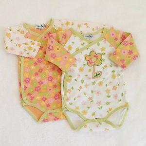 Lot 2 bodies colorés fleurs bébé fille 1 MOIS