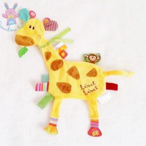 Doudou plat Girafe jaune marron étiquettes LABEL LABEL