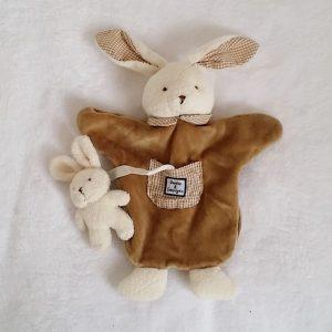 Doudou marionnette lapin beige et bébé DOUDOU ET COMPAGNIE