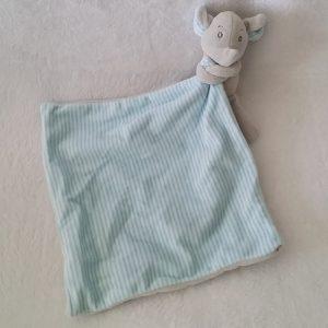Doudou éléphant gris mouchoir rayé bleu blanc OBAIBI